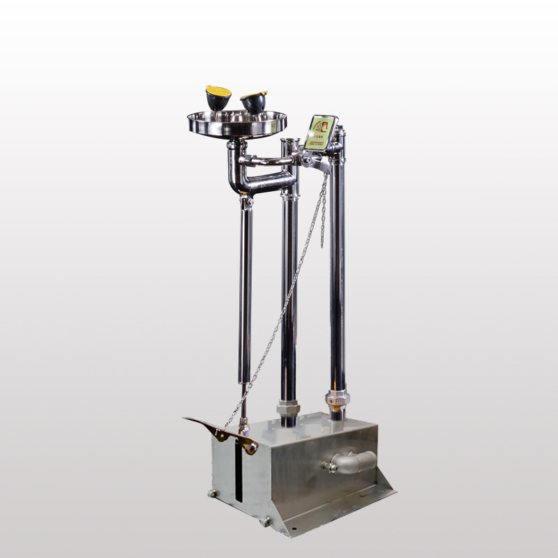BH32-5012A小踏板立式洗眼器